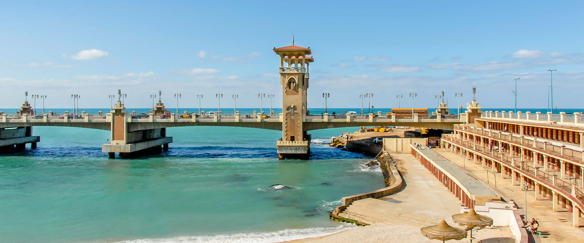 Beach area and bathing box grandstand and iconic Stanley bridge, Alexandria