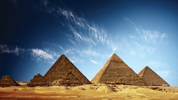 Huge pyramids in the desert, Giza