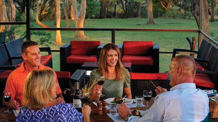 Couples dining at Bell Gorge Wilderness Lodge